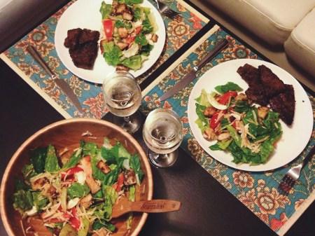 Готовим вместе: телячья печень и салат из листьев романо