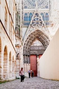 Путь от суеты к гармонии: Париж и Этрета