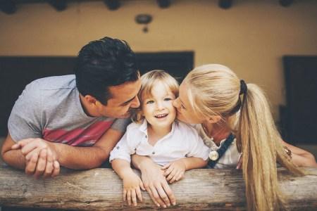 Солнечное счастье: Эвелина, Мустафа и Эмиль