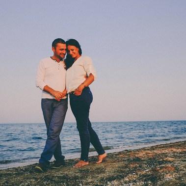 Летний вечер у моря: свидание мужа и жены