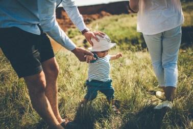 Взрослеть вместе: семейная съемка Латифа и его родителей