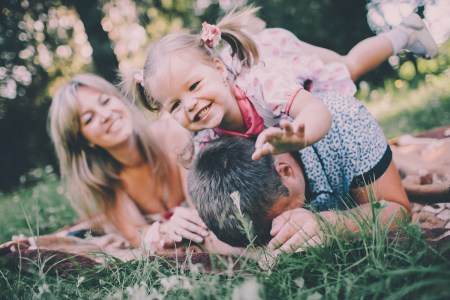 Маленькая принцесса: семейная съемка Дарины и ее родителей