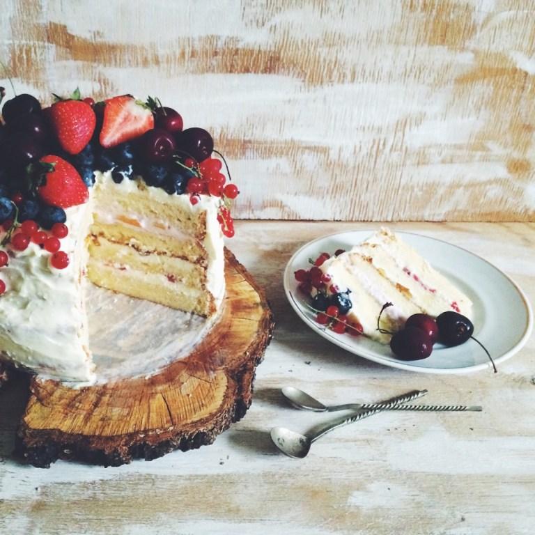 Торт с нежнейшими бисквитными коржами и крем-чизом