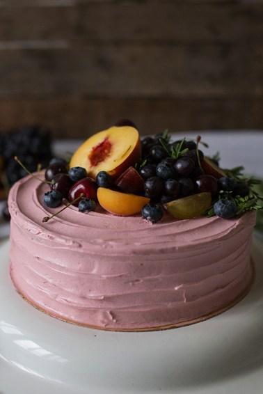 Шоколадный торт с вишневым муссом