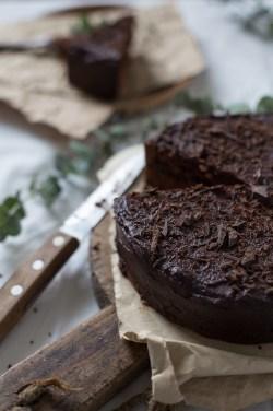 shokoladnyj-tort-s-chernoslivom-13