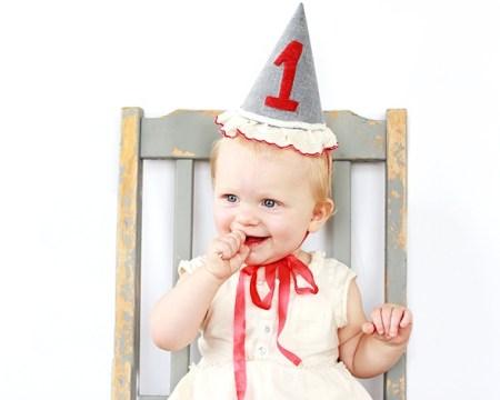 Праздник для малыша: делаем колпак на день рождения