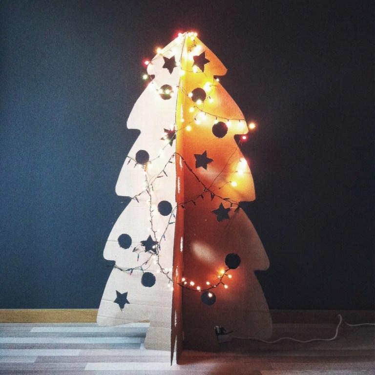 Мастерим картонную новогоднюю ёлку