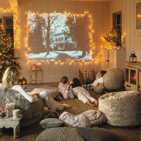 Новогодние фильмы и мультфильмы для просмотра в праздники