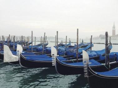 Итальянские каникулы: Романтика Венеции и яркие краски Бурано