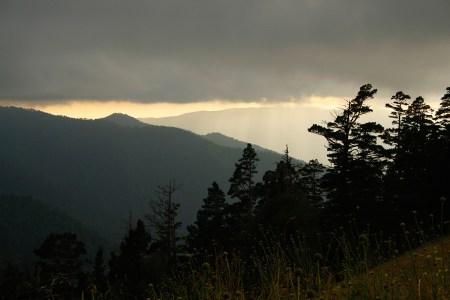 Где драконы спят под облаками: путешествие по горам Адыгеи