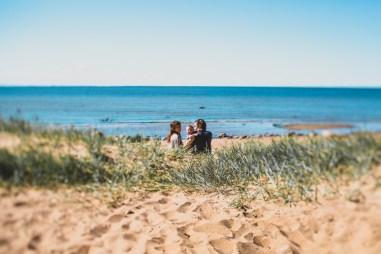 Утро на пляже: Ксюша, Дима и их сын Ярослав