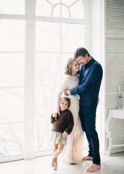 В ожидании праздника: Ксения, Антон и Мия