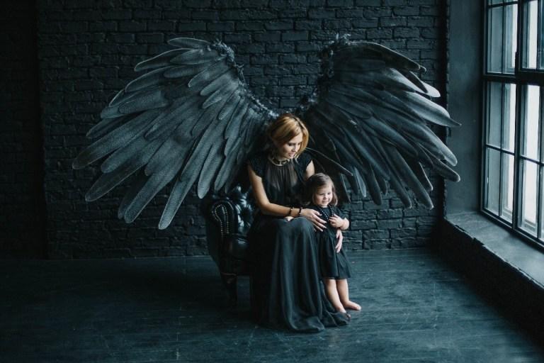 Темный ангел: семейная съемка Ирины и Вероники