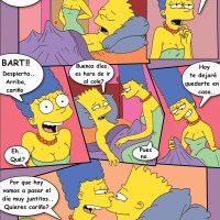 Simpcest (spanish): Marge heads to Bart's bedroom every night so it draws Lisa's attention...