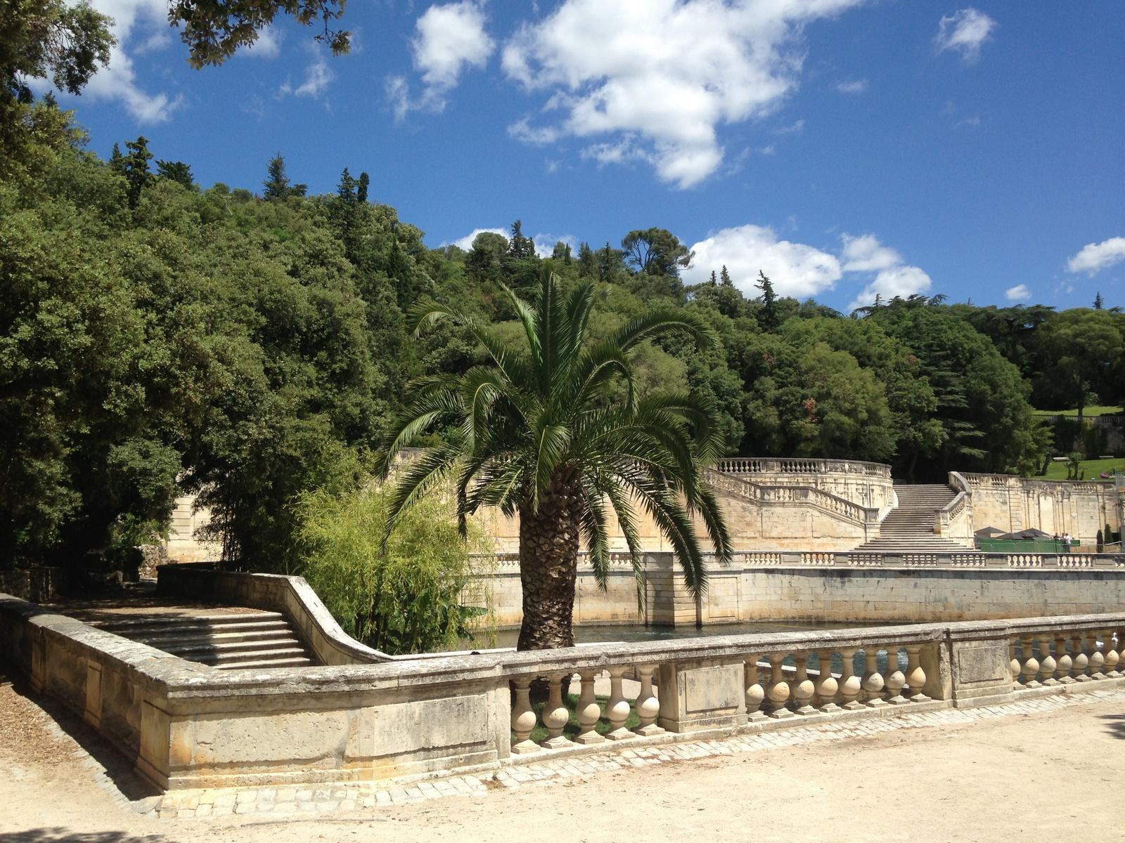 Mobilier De Jardin Nimes   Jardin De La Fontaine In Nimes France ...