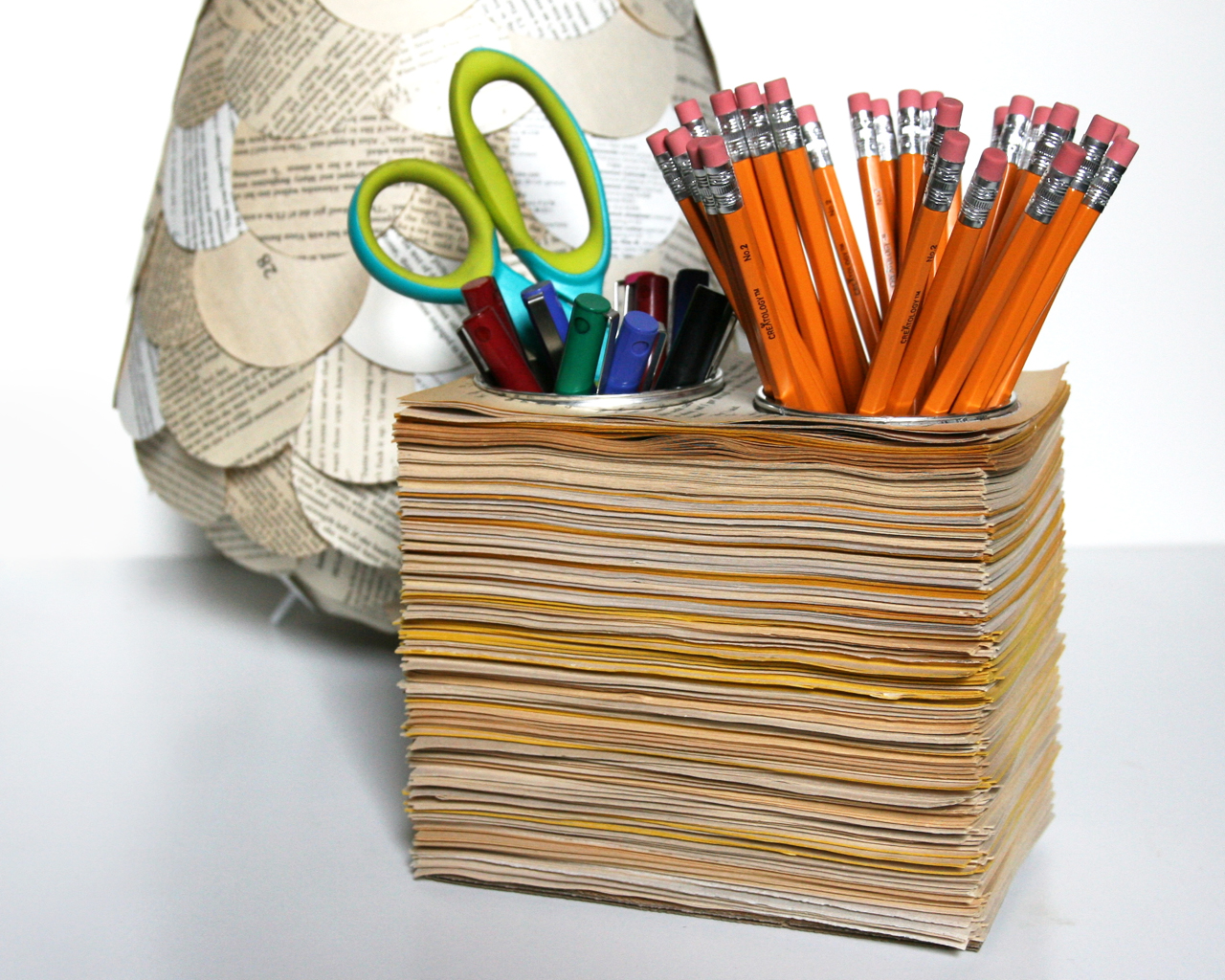 Homemade Pencil Holders Book Pages Pencil Cups The 3 R S Blog