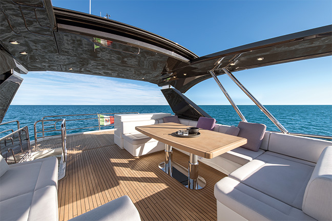 Salon Design D Interieur Buick The 7 Exclusive Journal Monte Carlo Yachts Dévoile Le
