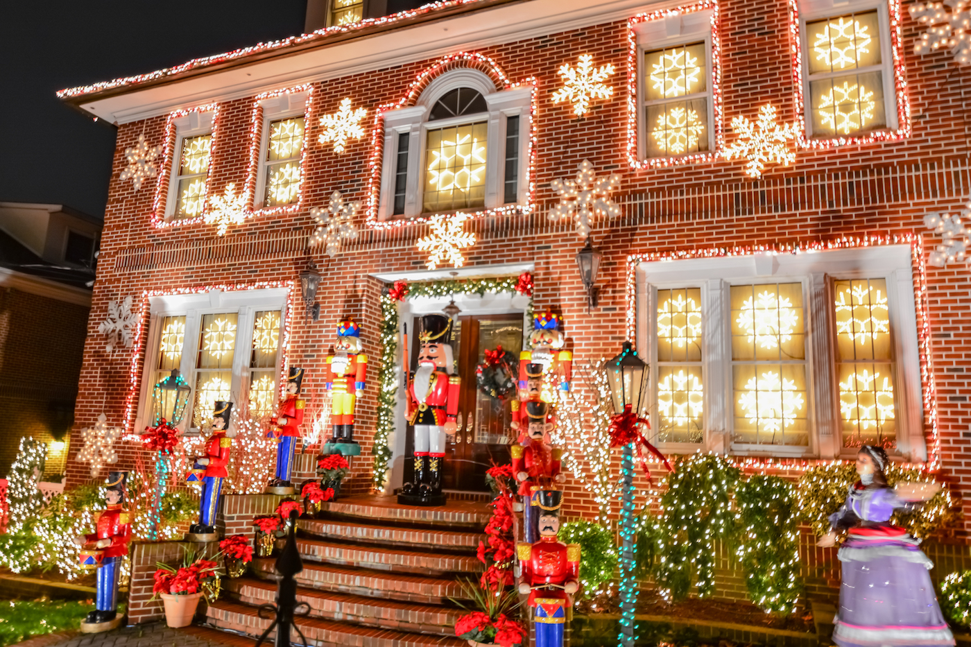 Best Place For Christmas Decorations The 20 Best American Towns To Visit During The Christmas Season