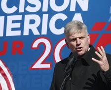 Franklin Graham: Vote for the 'Least Heathen' Candidate