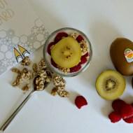 Overnight oats – Kiwi and Raspberry #breakfastbling