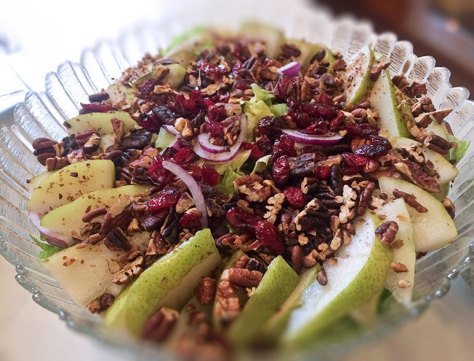 Pear, Bleu Cheese, Cranberry & Toasted Pecan Salad with Honey Viniagrette