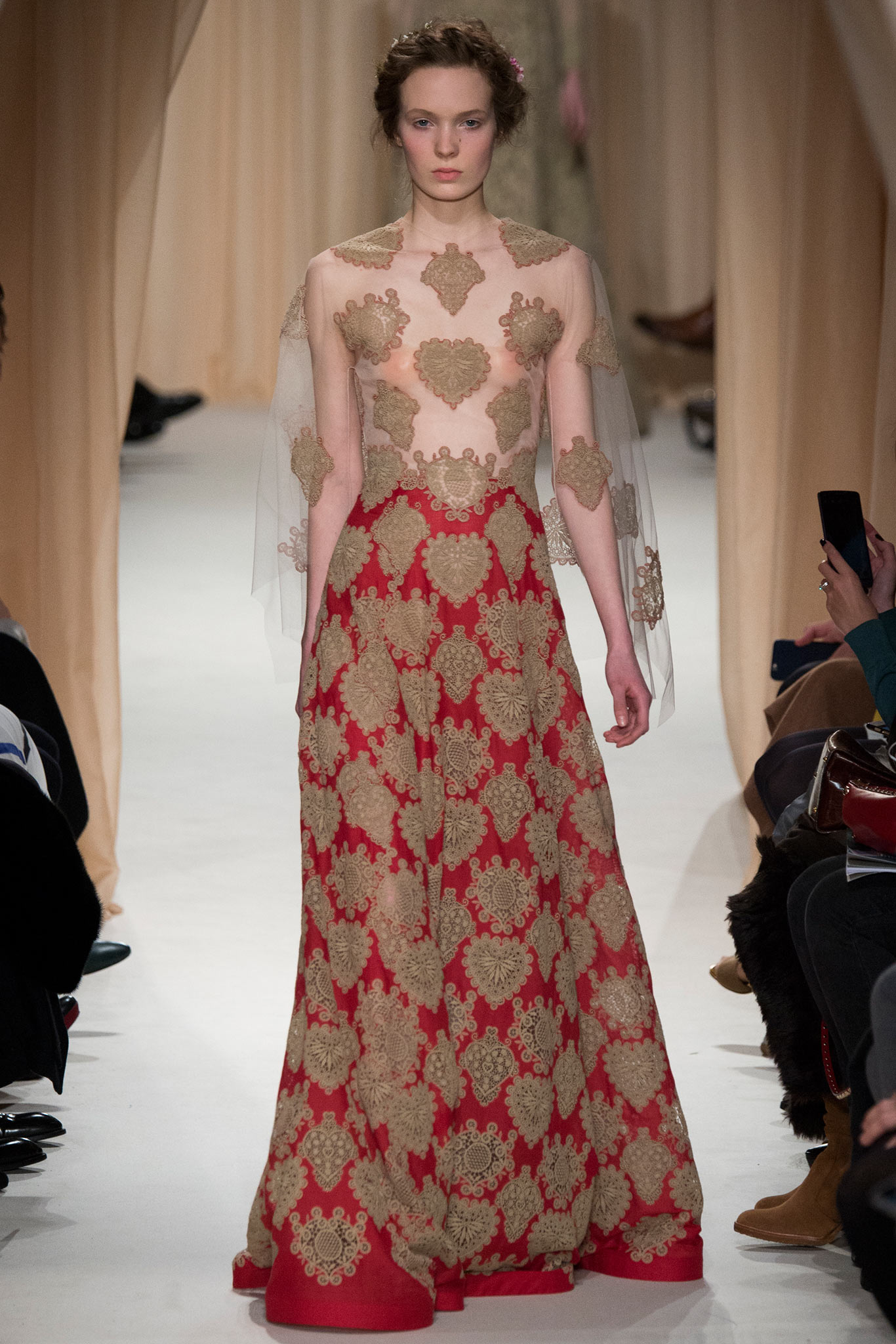 Dsign Valentino Re Visiting The Art Of Valentinos Spring 2015 Couture