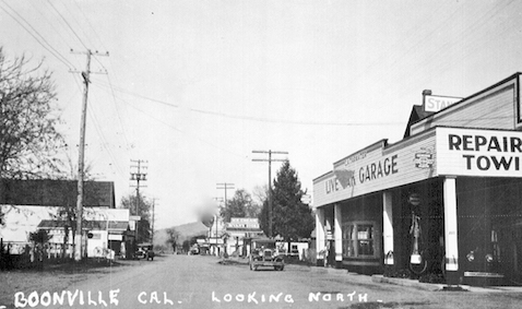 Live Oak building and downtown, 1928