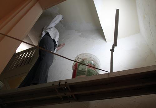 lynne-platform-stairwell-nh