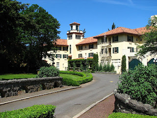 View of the hotel up the driveway