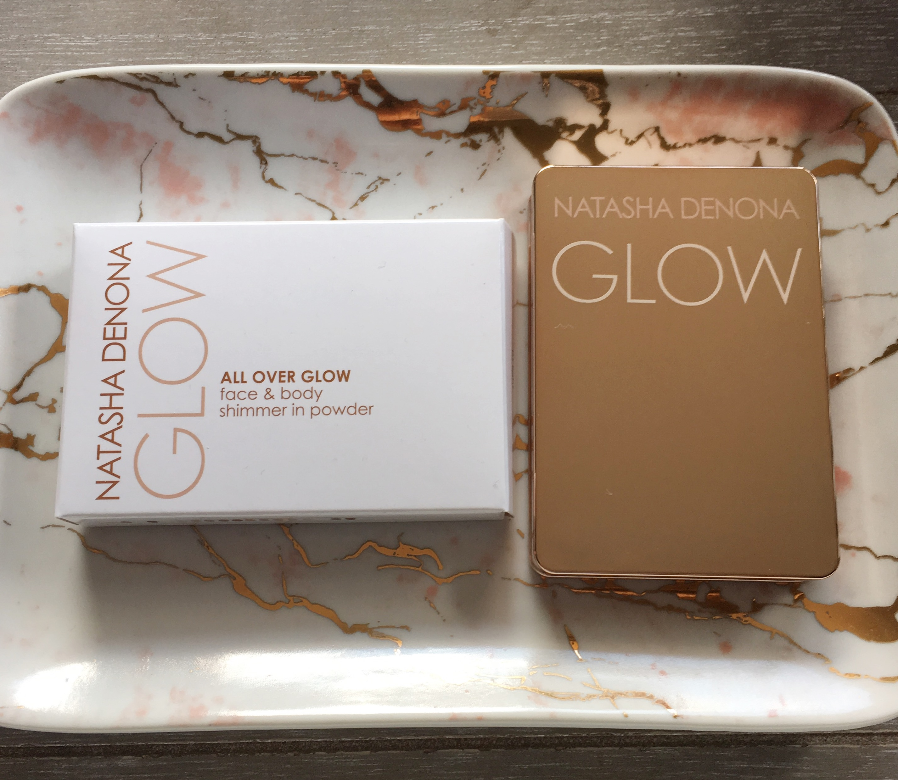 Natasha Denona All Over Glow Face & Body Shimmer in Powder 01 Light