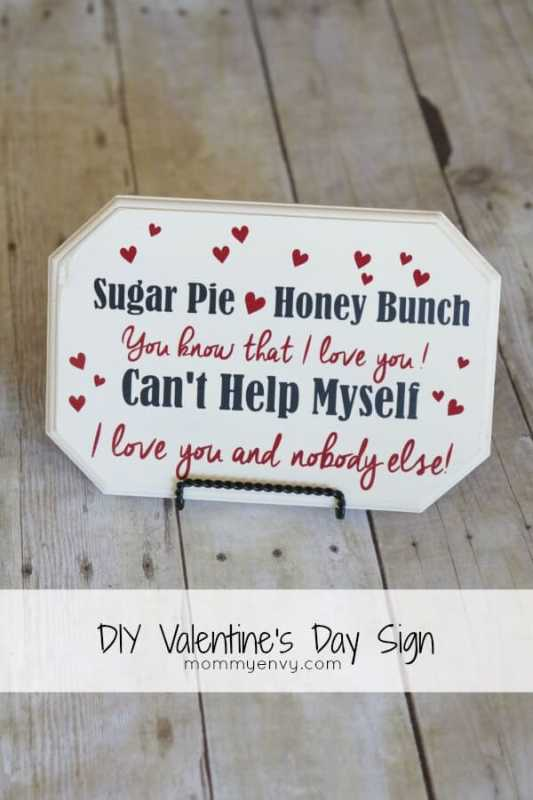 Valentine's Day Sign featured on 25 Valentine's Day Crafts from The Best Blog Recipes