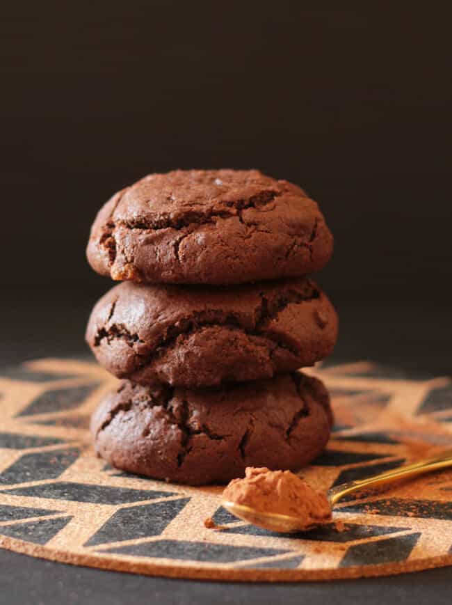 NUTELLA STUFFED CHOCOLATE COOKIES | Featured on www.thebestblogrecipes ...