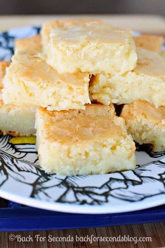 These Fudgy White Chocolate Brownies from Back for Seconds are just ...