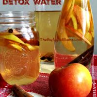 Apple Cinnamon Detox Water - The Best Natural Detox Drink