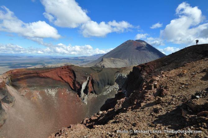 NZ2-171 Rim of Red Crater, Tongariro N.P., NZ