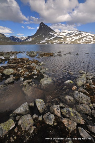 Kyrkja (peak), above Leirvatnet (lake), from Leirvassbu Hut.