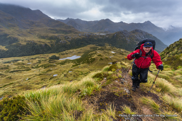 5 Tips For Staying Warm and Dry on the Trail