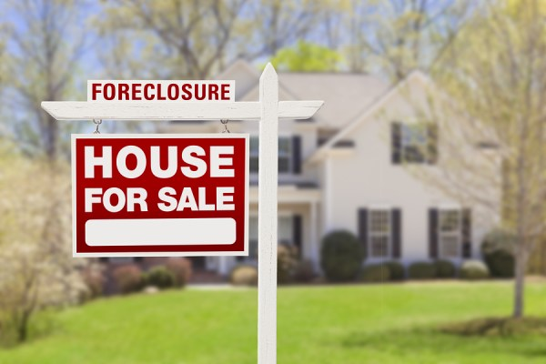 Foreclosure Sale - Can an Emergency Bankruptcy Filing Stop a Home Mortgage Foreclosure in Roseville, California?