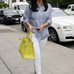 Kim Kardashian. Kiwi Birkin.