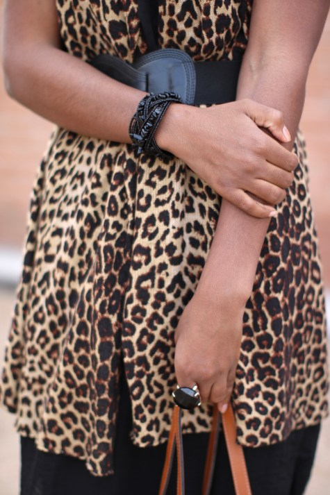 leopard print, black dress, basic black dress, leopard chic, blogger style, natural hair blogger, black style blogger, natural hair inspiration, fashion blogger, leopard style, leopard print sweater, leopard print vest