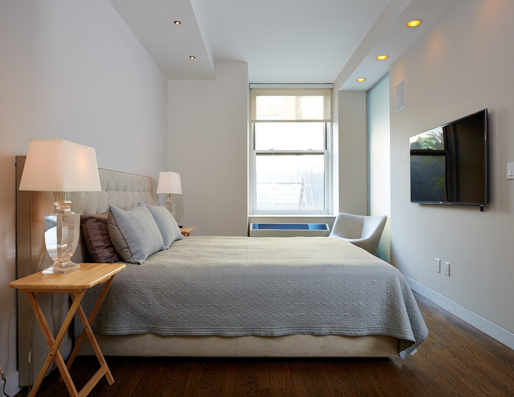 Lit Palette Design Palette Architecture The Fairly Compact Bedroom Is Brightly Lit