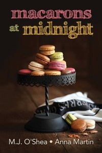 Mini Review – Macarons at Midnight by M.J. O'Shea and Anna Martin