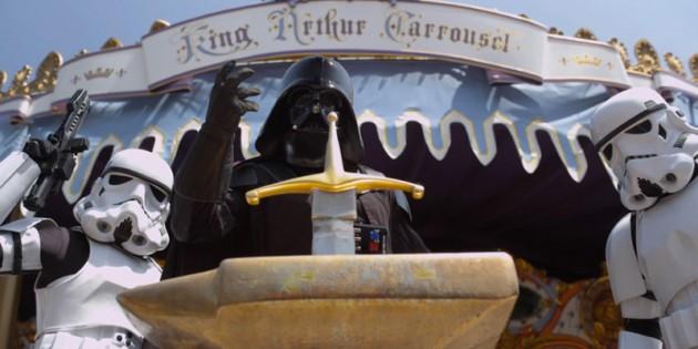 darth-vader-stormtroopers-star-wars-disneyland-0-630x315