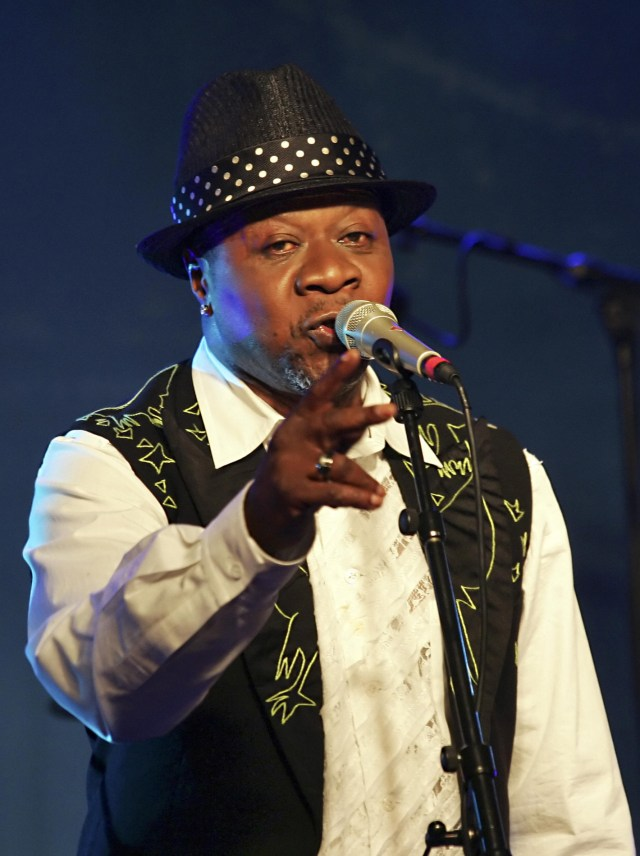 Paris, FRANCE:  Congolese singer Papa Wemba performs during a concert at the New Morning, 15 February 2006 in Paris.   AFP PHOTO PIERRE VERDY  (Photo credit should read PIERRE VERDY/AFP/Getty Images)