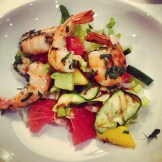 Garlic prawns & California salad