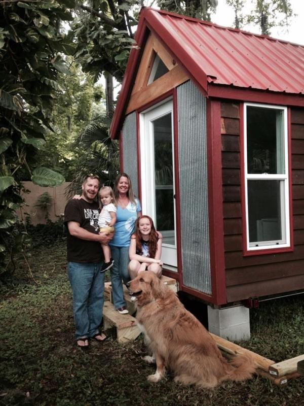 tiny house family looking for land or farm to rent for 6 months near