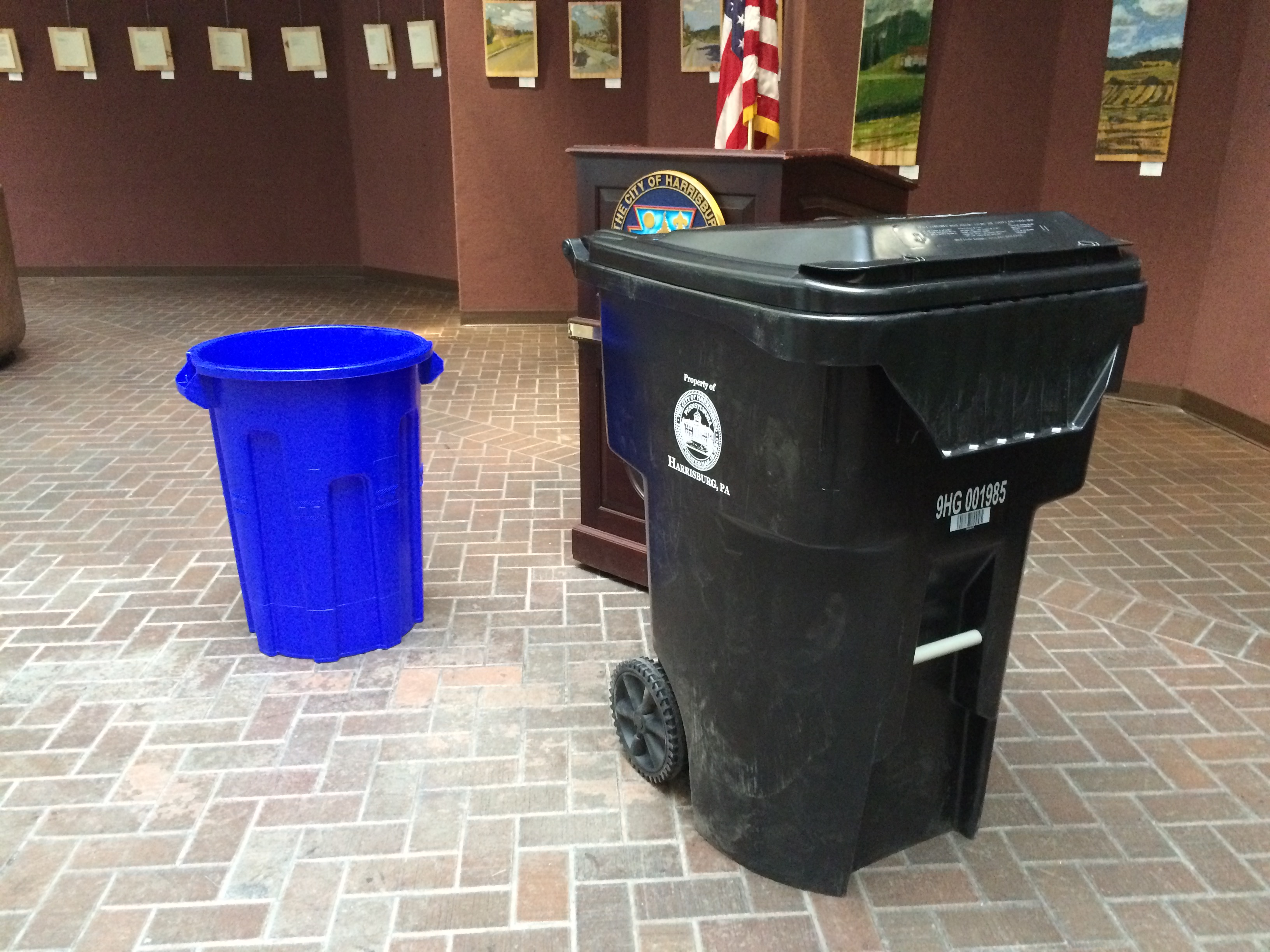Cool Trash Bins New Trash Bins Hoped To Fight Litter Increase Recycling Theburg