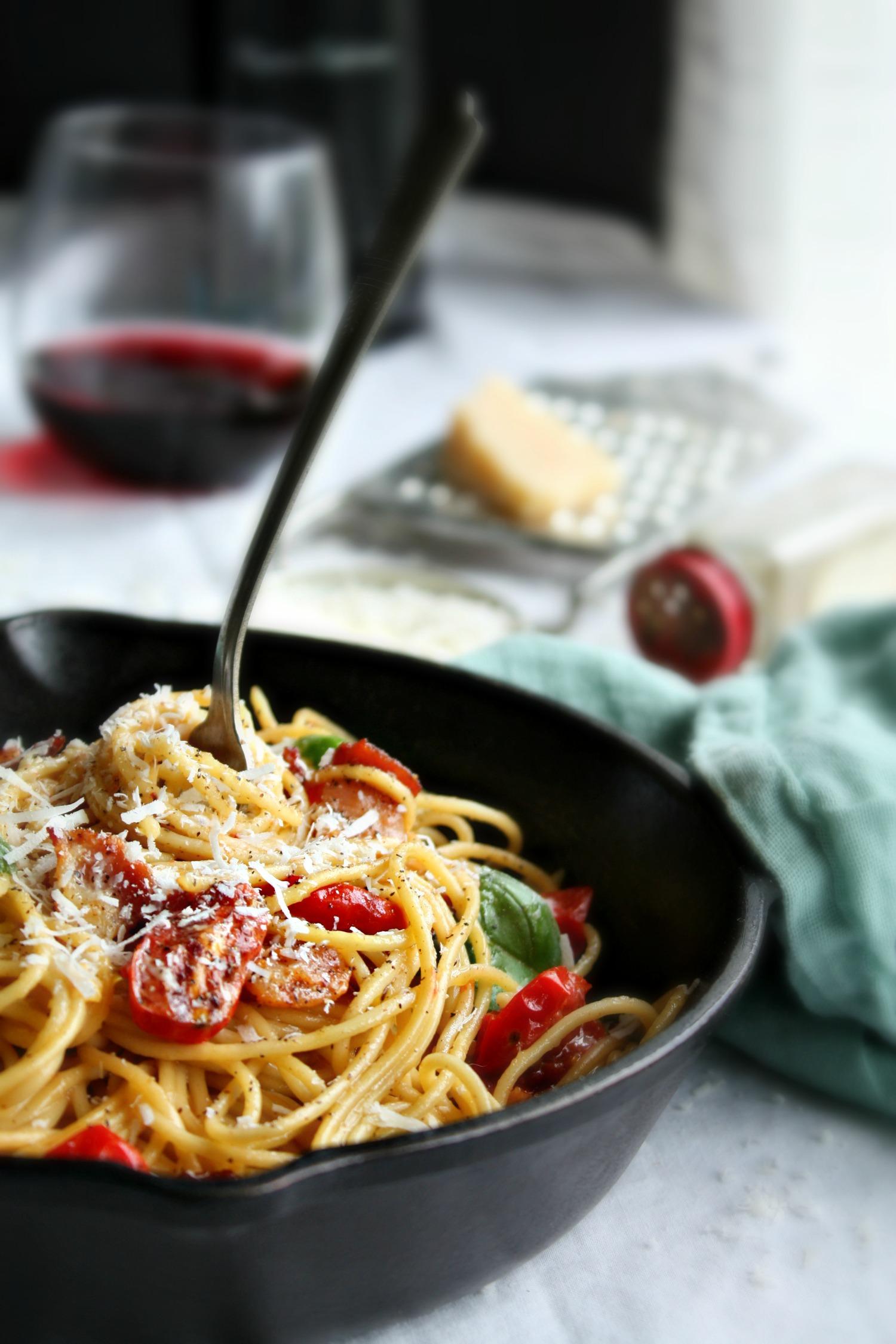 spaghetti carbonara with tomato basil