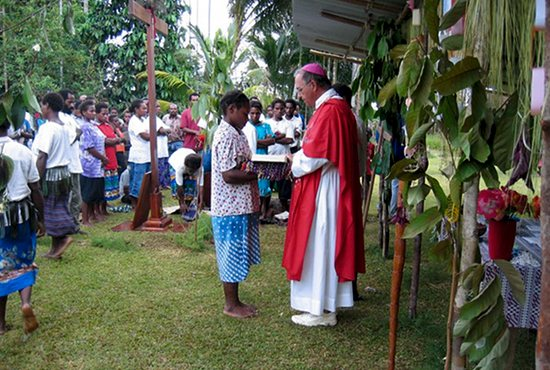 Bishop Giles Cote of Daru- Kiunga, Papua New Guinea celebrates an outdoor Mass. Photo courtesy of the Diocese of Daru-Kiunga