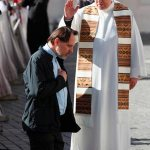 Receive forgiveness in confession, learn to forgive others, pope says